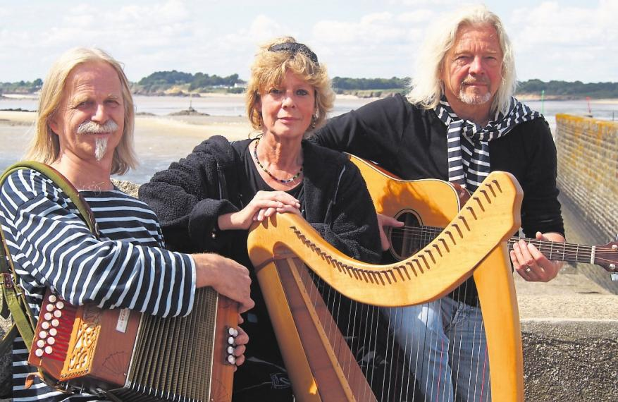 "Andreas Derow (links), Barbara Gerdes und Hans Martin Derow sind ""An Erminig"". Foto: An Erminig"